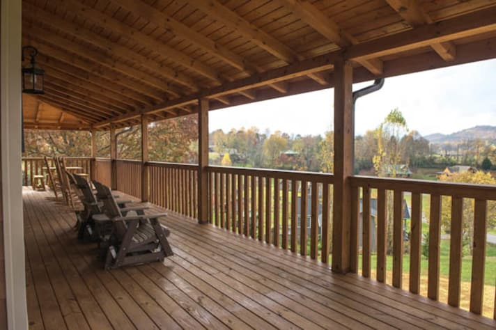 Pigeon Forge, Tennessee Chalet Rental - Gallery Image #4